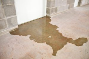 What are the signs of a slab leak